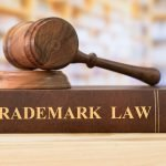 martello e libro trademark law